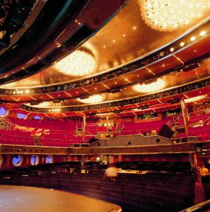 Das Theater bietet interessante Vorstellungen. Foto: Costa Crociere