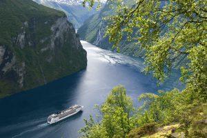 Traumhafte Routen, wie hier durch einen norwegischen Fjord. Foto: MSC Crociere