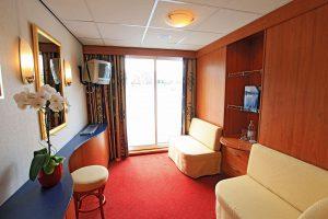 Eine der geräumigen Kabinen auf dem Oberdeck. Foto: Nicko-Cruises