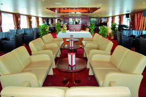 Der Panorama Salon. Foto: Nicko-Cruises