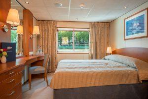 Eine der geräumigen 2 Bett Deluxe Kabinen. Foto: Nicko-Cruises