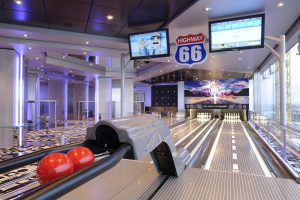 Die Bowlingbahn an Bord lädt ein. Foto: MSC Crociere