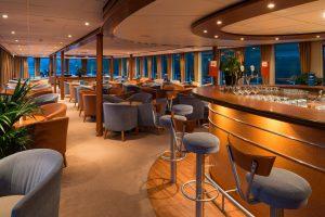 Der Panorama-Salon lädt euch ein. Foto: Nicko-Cruises