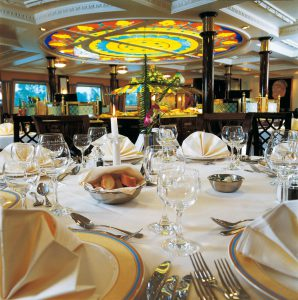 Das Panorama Restaurant. Foto: Nicko Cruises