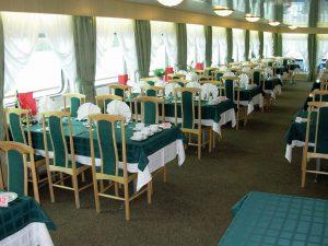 Das Restaurant an Bord der MS Fedin. Foto: Nicko-Cruises