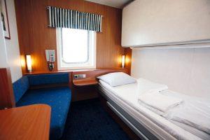 Eine Standard Außenkabine mit 2 Betten. Foto: Stena Line